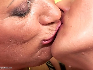 lesbian pussy eating session in cab imdb