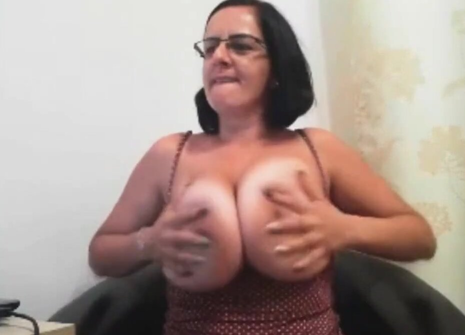 mature loves to suck