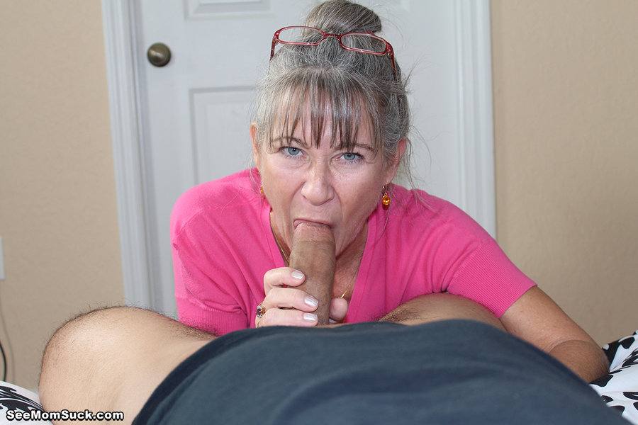 mature asian showing pussy
