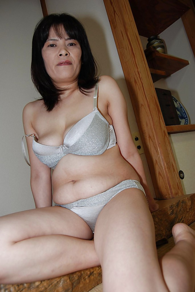 japanese beauty naked galleries